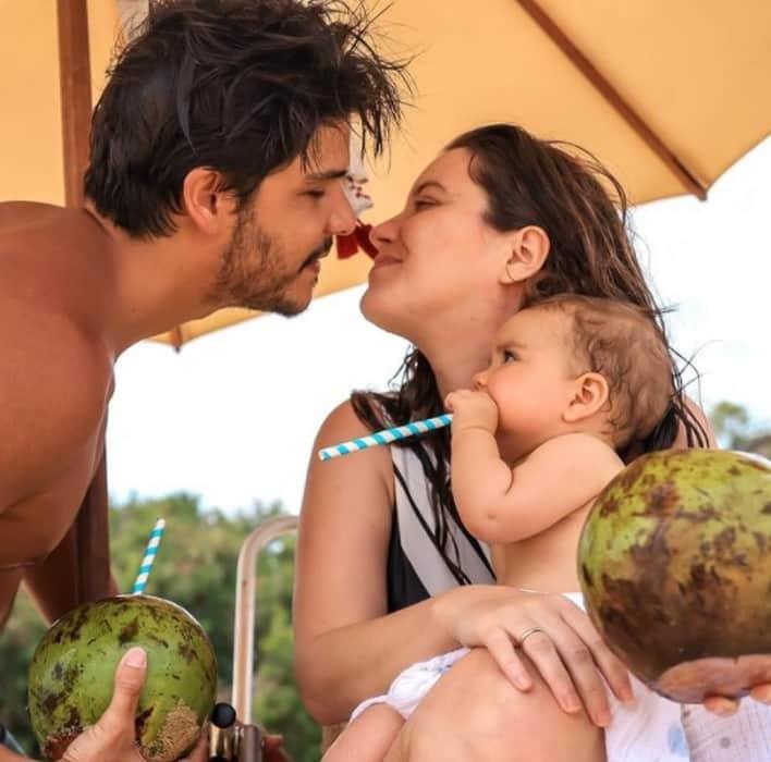 A atriz Nathalia Dill se declarou ao noivo Pedro Curvello, pai da Eva